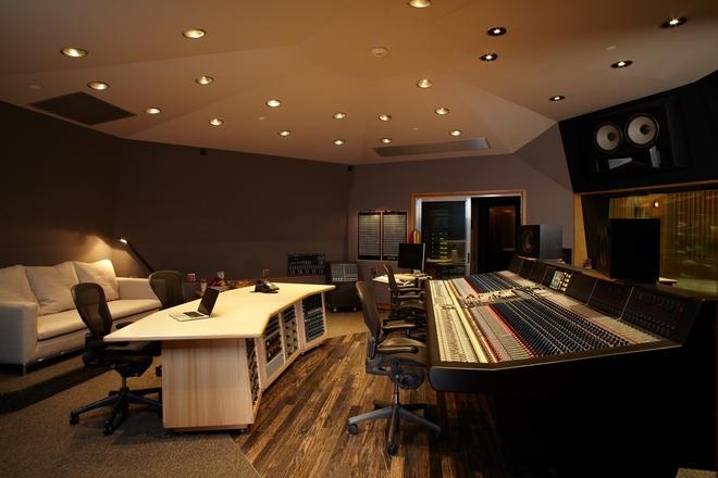 http://www.capitolstudios.com/wp-content/uploads/2012/12/Capitol-Studio-A.jpg